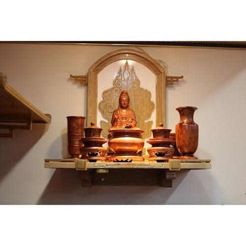 Bàn thờ phòng khách có nhiều công dụng đa dạng dành cho nhu cầu của nhiều khách hàng